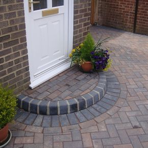 Block Paving Half Moon Step: Click Here To View Larger Image
