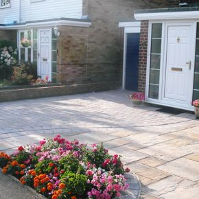 Driveway with Paving Slabs Hucknall: Click Here To View Larger Image